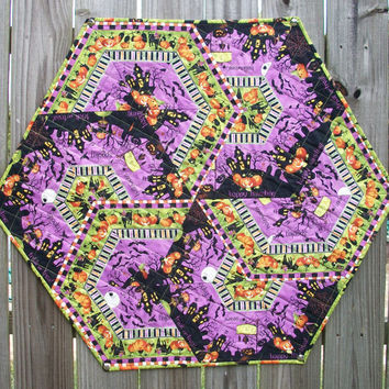 Halloween Interlocking Hexagonal Table Topper Quilted Happy Haunting Handmade
