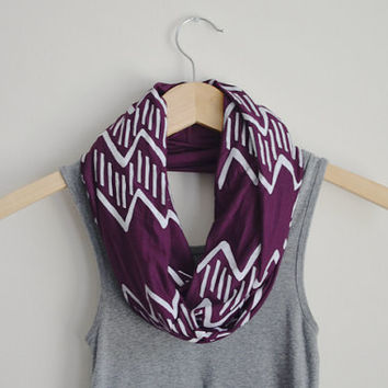 INFINITY SCARF - Screen Printed - White Zig-Zag Print on Plum