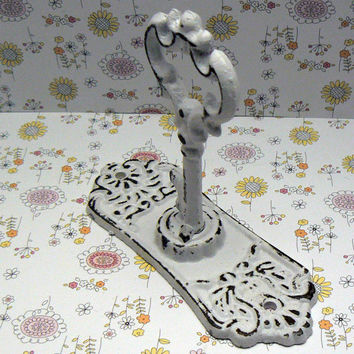 Shabby Chic Door Back Plate Skeleton Key Hook Jewelry Holder Curtain Tie Back White / White Towel Holder French Decor Paris