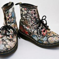 vintage Doc Martens flower design RARE by BeSomethingNew on Etsy
