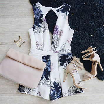 Print Sexy Sleeveless Shorts Jumpsuit [8998743428]