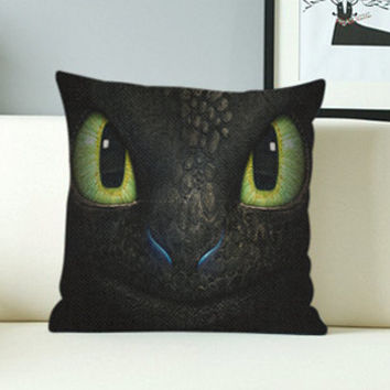 How to train your dragon 2 - Design Pillow Case with Black/White Color.