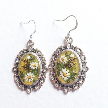 Hand painted Earrings Daisy Summer. green white flowers gift for her