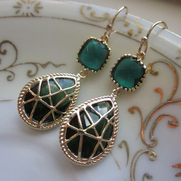 Emerald Green Earrings Gold Twisted Design - Bridesmaid Earrings Wedding Earrings Bridal Earrings