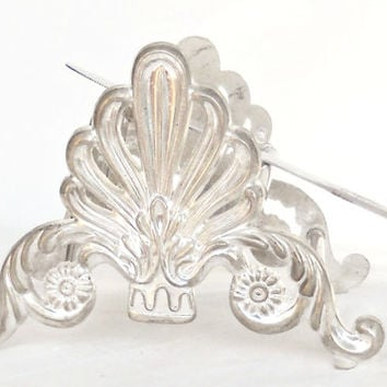 Fleur de Lis Silverplate Slotted Knife Rest or Holder, Table Decor, French Farmhouse, Hollywood Regency, Elegant Tea Party