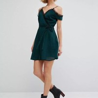 Guipure lace Paneled Girly Solid Cold Shoulder A-line Mini Dress with Belt
