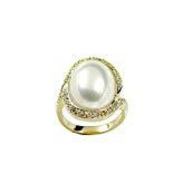 Oval Cabochon Simulated Pearl With Offset Twist Setting Gold Tone Fashion Ring
