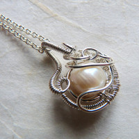 Necklace, Pearl pendant