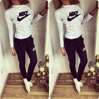 Nike Women'S Sportsuits 2pieces Jopping Suit Tracksuits