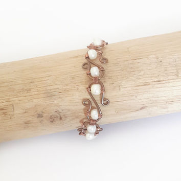 Copper wire and pearl bracelet - Pearl bracelet Bridal jewelry Pearl bridal bracelet Pearl jewelry Copper wire jewelry Boho wedding jewelry