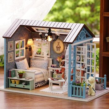 Fun American Style Wooden Mini Classical House DIY Crafts Toys Dollhouse with LED Light Exquiste Gifts for Children Handmade
