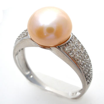 Sterling Silver Ring with Peach Pearl Size 9