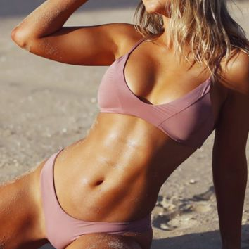 Pink pure color retro low chest two piece bikini set
