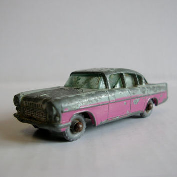 Vintage 1960s Toy Car - Lesney Matchbox No 22b 1958 Vauxhall Cresta PA