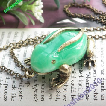 Pretty retro copper 3d green skin Frog prince necklace pendant jewelry vintage style
