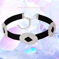 Metallic leather choker