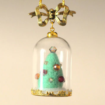 Needle felted Christmas tree in glass dome necklace, handmade Christmas tree terrarium necklace, whimsical jewelry, gift under 20