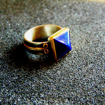 Stunning sterling silver 18k gold and lapis lazuli ring-Mens vintage rings-Mens antique signet rings- Lapis pyramid ring-Man statement ring