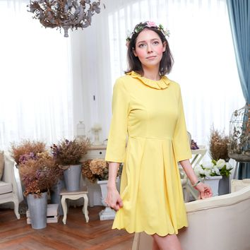 Three-quarter sleeve lotus leaf collar dress