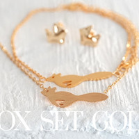 Gold dainty tiny jewellery set of 3 - Fox bracelet, necklace and earrings with gift pouch, perfect christmas gift (SE00002)