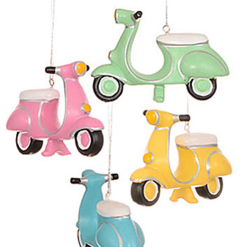 Go-Go Mad for Mod Scooter Ornament
