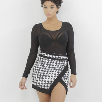 CHECK YOURSELF HOUNDSTOOTH SKIRT