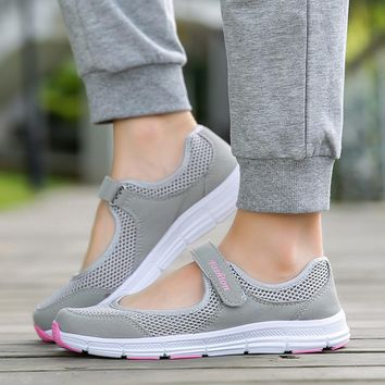 Light Summer Breathable Women Sneakers Year old Healthy Mesh Flats Antislip Mother Girls for Waking Moccasins Ladies Running