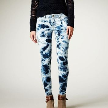 American Eagle Outfitters: Men's & Women's Jeans, T's, Shoes & More