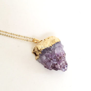 Raw Druzy Necklace Purple Gold Chunky Quartz Stone Crystal Necklace Modern Large Pendant Gift for Her Gold Layering Necklace C1