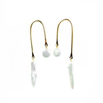 Arc Pearl Earrings