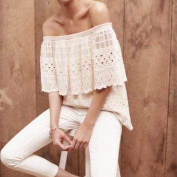 Harlyn Manarola Off-The-Shoulder Top in Cream Size: