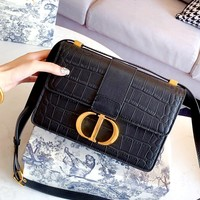 "DIOR 30 MONTAIGNE crocodile pattern ""CD"" letter lock shoulder bag"