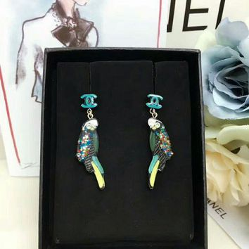LMF3DS Chanel earrings dangle Color resin material of parrot ear