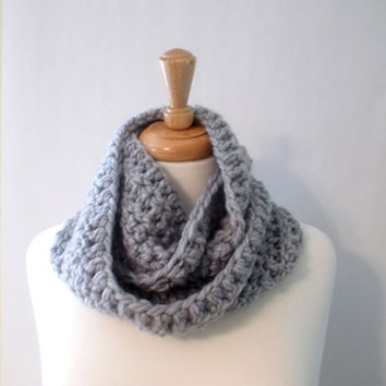 Gray INFINITY SCARF Crochet WOOL Blend Heather Gray Light Gray circle Loop Lambs Wool