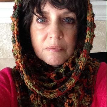 Free US shipping - Cowl Scarf Crochet Snood Chunky Circle Scarf, Infinity Scarf, Multi Variegated, Neckwarmer, Winter Fashion, Hood Scarf
