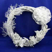 Christmas Wreath in Silver 203