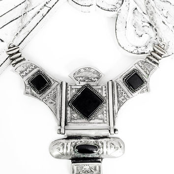 Hunters Shield Point Necklace