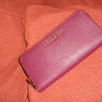 Michael Kors MK JetSet Travel Wallet/ Purse Continental Red Leather