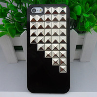 Beautiful iPhone 5 hard Case Cover with silver pyramid stud For iPhone 5 Case, iPhone hand case cover  -280