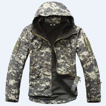 Winter Military Fleece Warm Men Tactical Jacket Thermal Breathable Hooded Men Jackets And Coats Outerwear Clothes