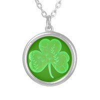 A Touch Of Green Shamrock Round Pendant Necklace
