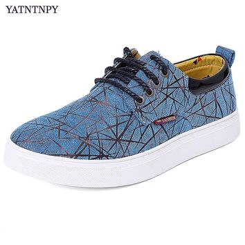 YATNTNPY Fashion men casual shoes flat sneakers wearable canvas shoes man plus size 38-48 big shoes popular student shoes