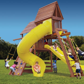 Superior Play Turbo Deluxe Fort with Monkey Bars, Sky Loft and Tube Slide