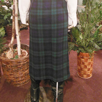 skirt / 90s vintage / wrap / winter plaid / midi length / fringes / wear to work /26 waist 31 length / savannahwillow