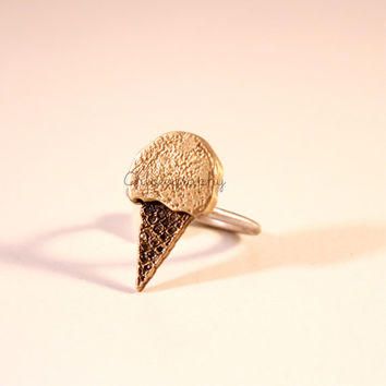 Ice-Cream Cone Ring (S)/ Yellow Bronze Ice-Cream Cones on Simple Sterling Silver Band