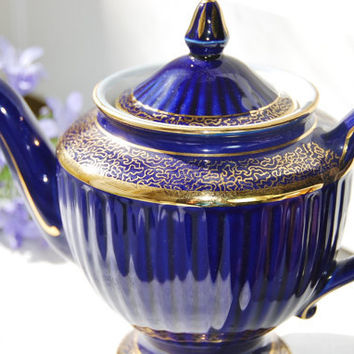 "Elegant HALL Teapot ""Los Angeles"", Cobalt Blue and Gilt , 6 Cup, USA"