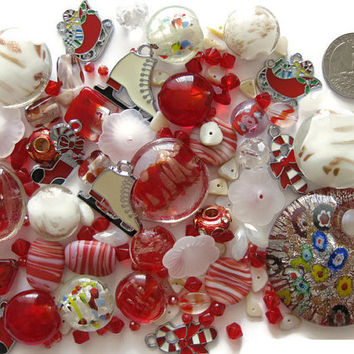 Over 130 Pcs. Assorted Red White Beads Pendant Charms Christmas Lampwork Glass Acrylic Shell Jewelry Making Crafts Candy Cane