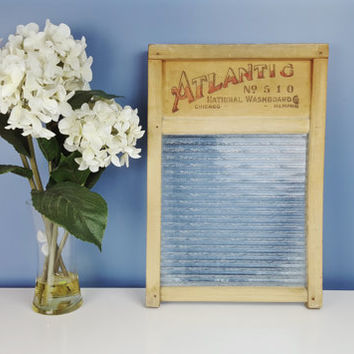 Vintage Glass Washboard ATLANTIC No. 510 Chicago, Large Size Vintage Washboard, Shabby Chic Farmhouse Rustic Decor, Laundry Room, Bathroom
