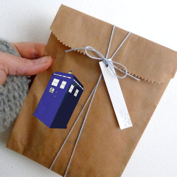 "Tardis Die Cut Sticker // Doctor Who BBC Nerd Pride // Gift Tag & Journal Small Size // 3"" // Perfect For Indoor, Outdoor, Laptop, Car"