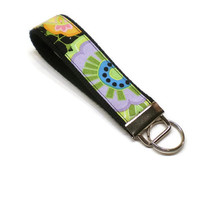Flowers wrist key fob, keychain wristlet. Colorful floral fabric key fob. Personalization available.